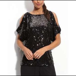 ADRIANNA PAPELL Black Cold Shoulder Sequin Top C44